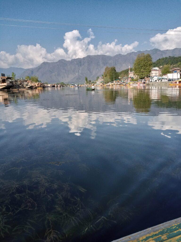 nigeen lake srinagar
