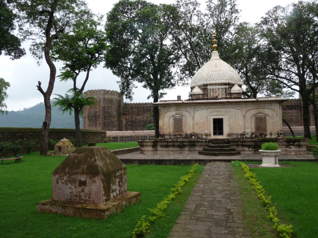 _fort_and_mausoleum