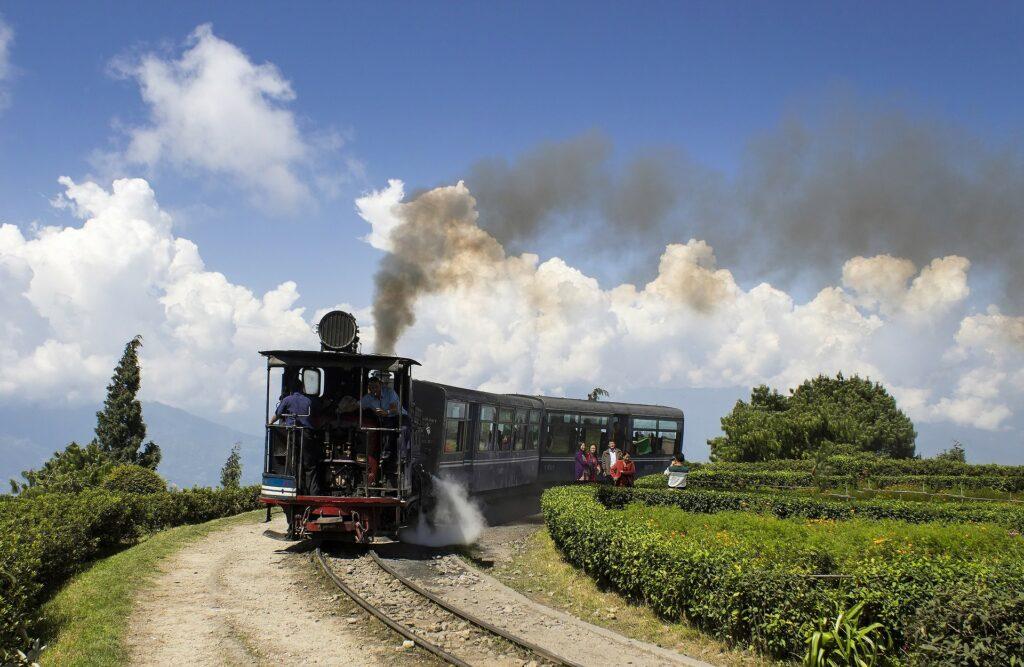 darjeeling-himalayan-railway-